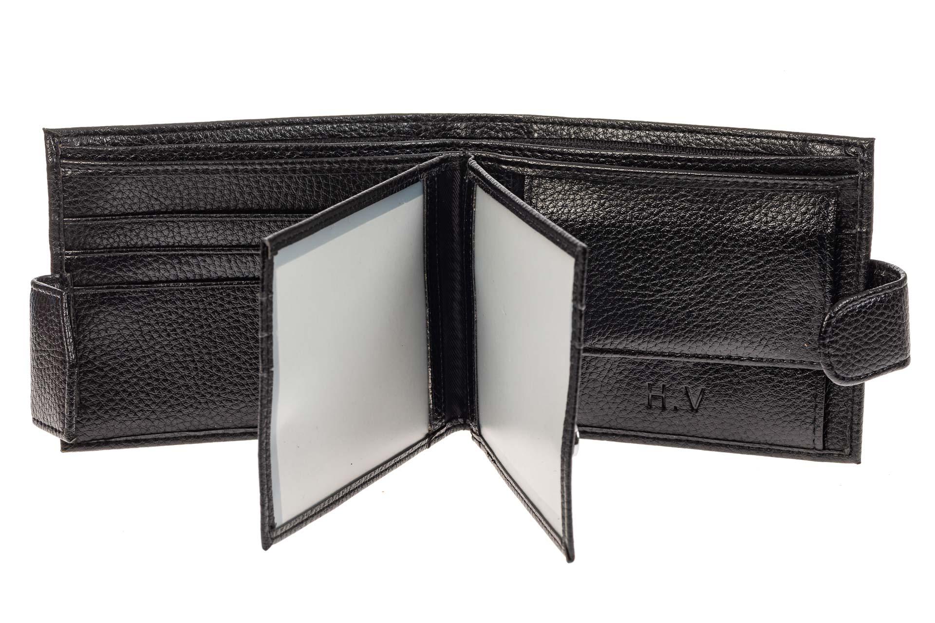 На фото 2 - Компактное мужское портмоне из натуральной кожи, цвет черный