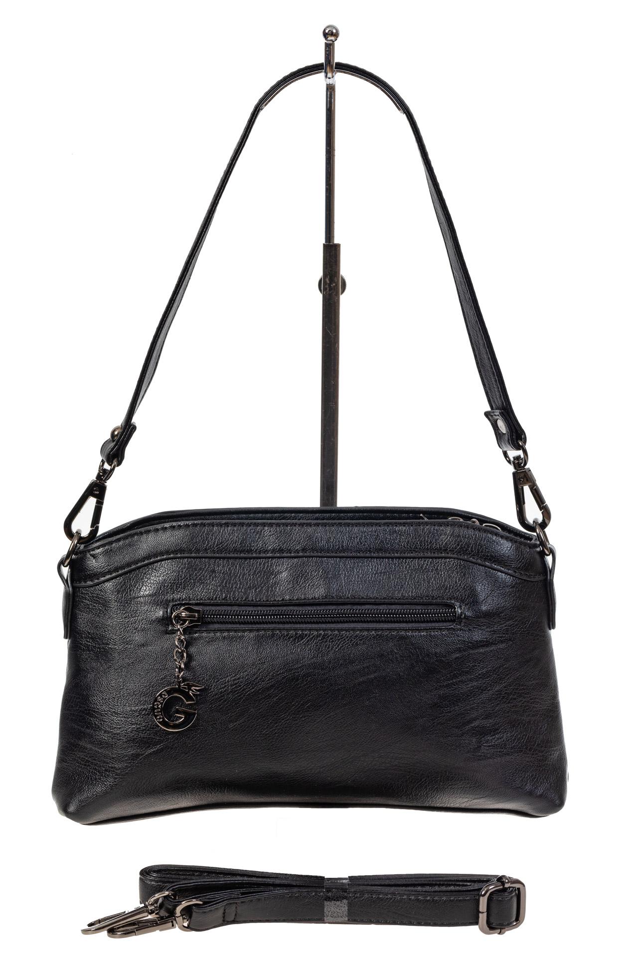 На фото 3 - Маленькая чёрная сумка из экокожи
