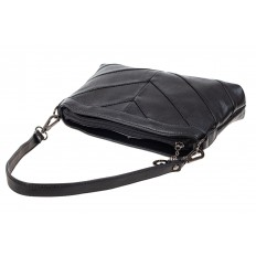 На фото 4 - Маленькая чёрная сумка из экокожи