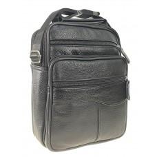 На фото 1 - Повседневная мужская сумка из фактурной натуральной кожи, чёрный цвет