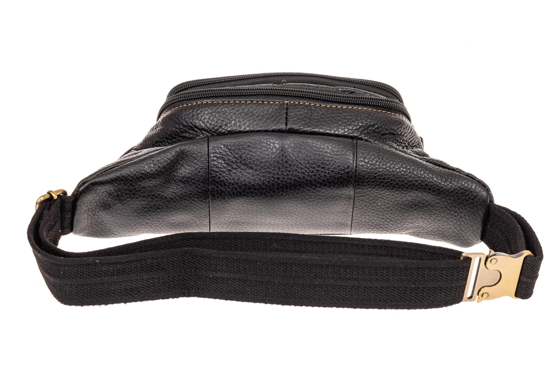 На фото 2 - Сумка на пояс мужская из натуральной кожи, цвет черный
