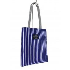 На фото 1 - Летняя женская сумка-шоппер из текстиля в полоску, цвет синий с белым