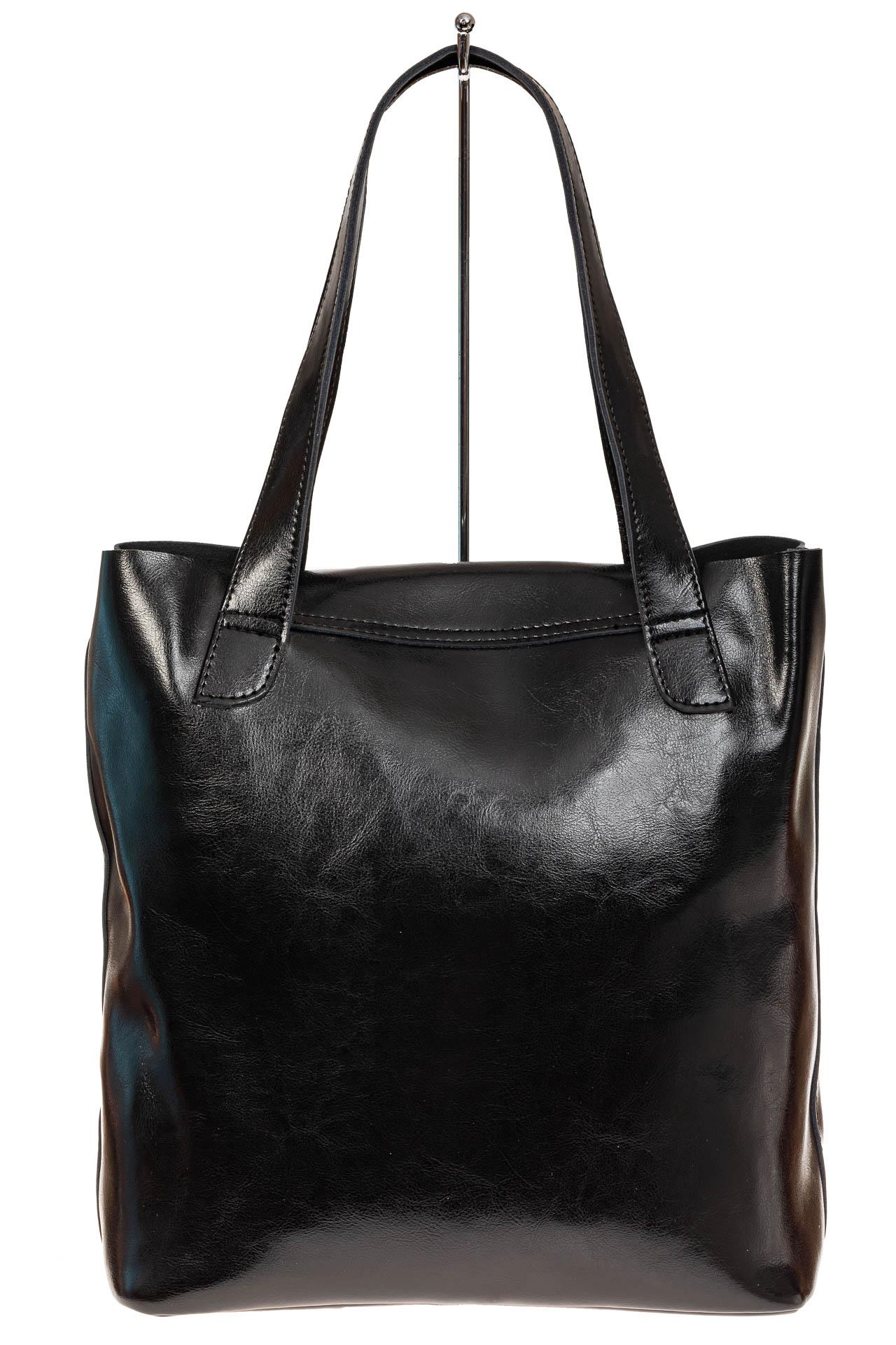 На фото 2 - Женская сумка-пакет из натуральной кожи, цвет черный