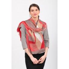 На фото 1 - Большой палантин-шарф с геометричным принтом, красный