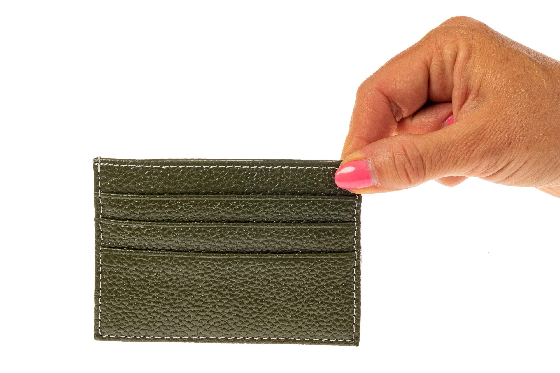 На фото 3 - Картхолдер на 6 карт из натуральной кожи, цвет зеленый