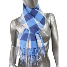 На фото 1 - Лёгкий клетчатый шарф-палантин из хлопка и бамбука, оттенки синего