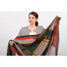 На фото 2 - Палантин платок шарф с геометричным принтом, цвет серый с красным