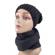 На фото 1 - Комплект женская шапка  и шарф, цвет черный