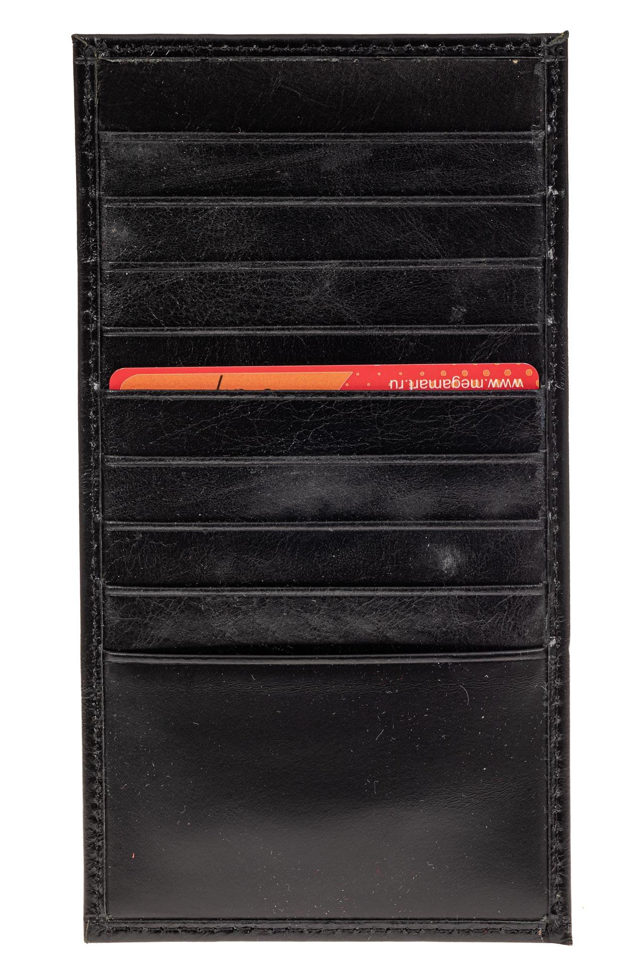 На фото 1 - Дешевый кожаный пенал-кардхолдер, цвет черный