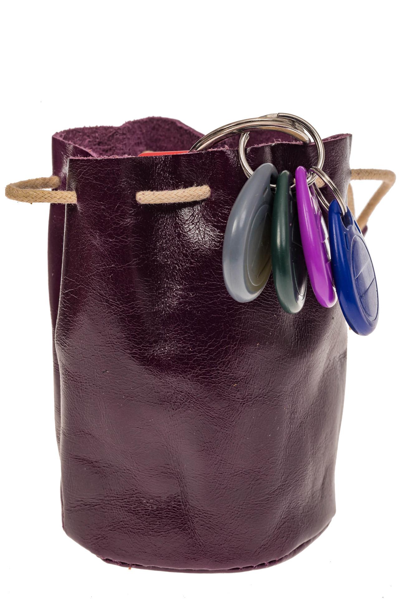 На фото 1 - Женский кошелек-мешок из натуральной кожи, цвет баклажан
