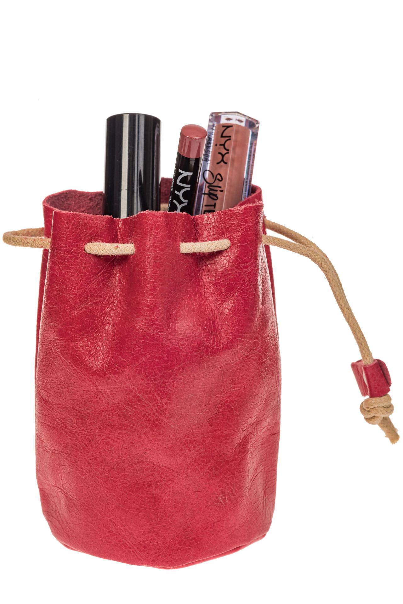 На фото 1 - Женский кошелек-мешок из натуральной кожи, цвет красный