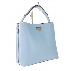 На фото 1 - Летняя женская сумка тоут из гладкой экокожи, цвет голубой