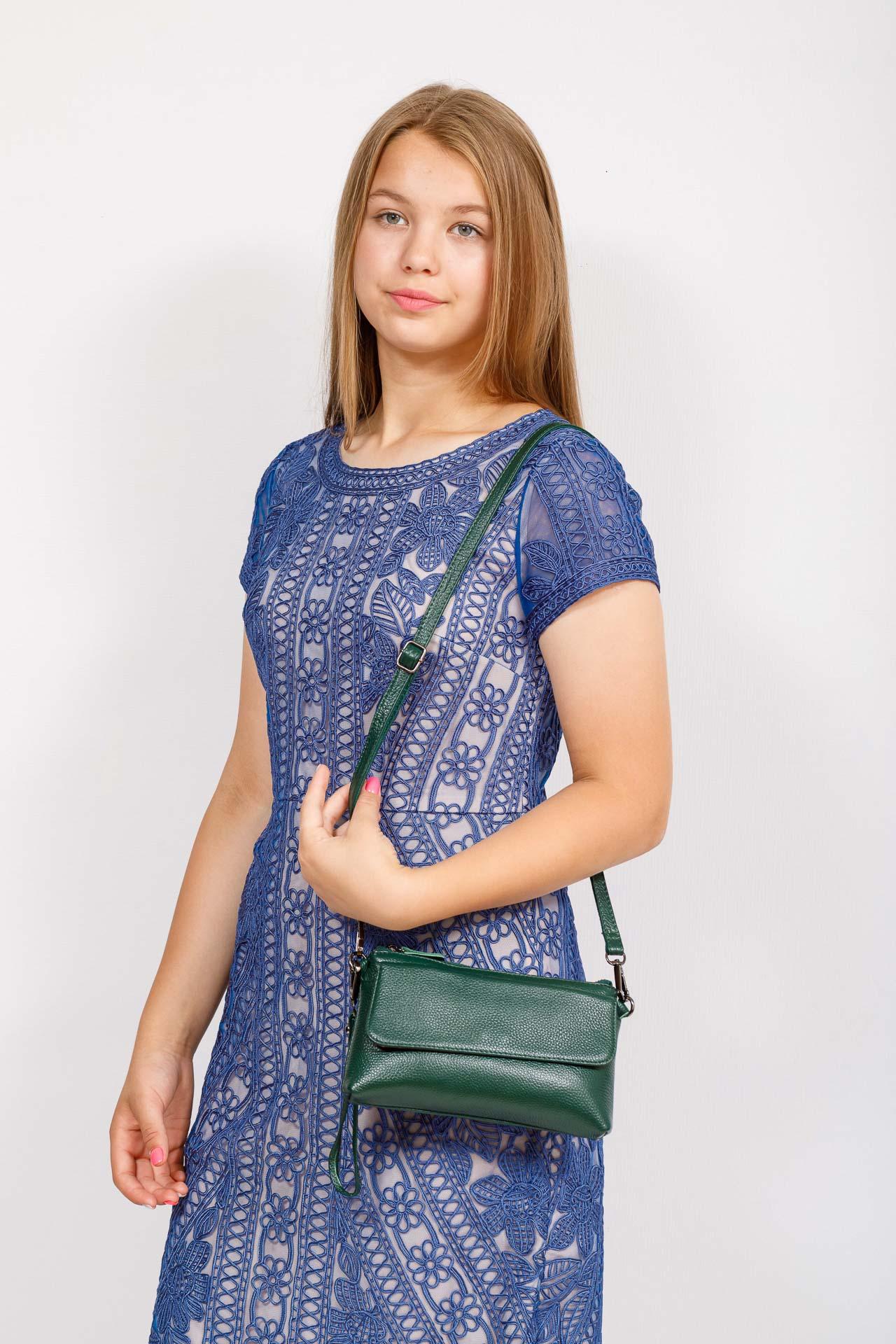 На фото 4 - Женский клатч из натуральной кожи, цвет зеленый