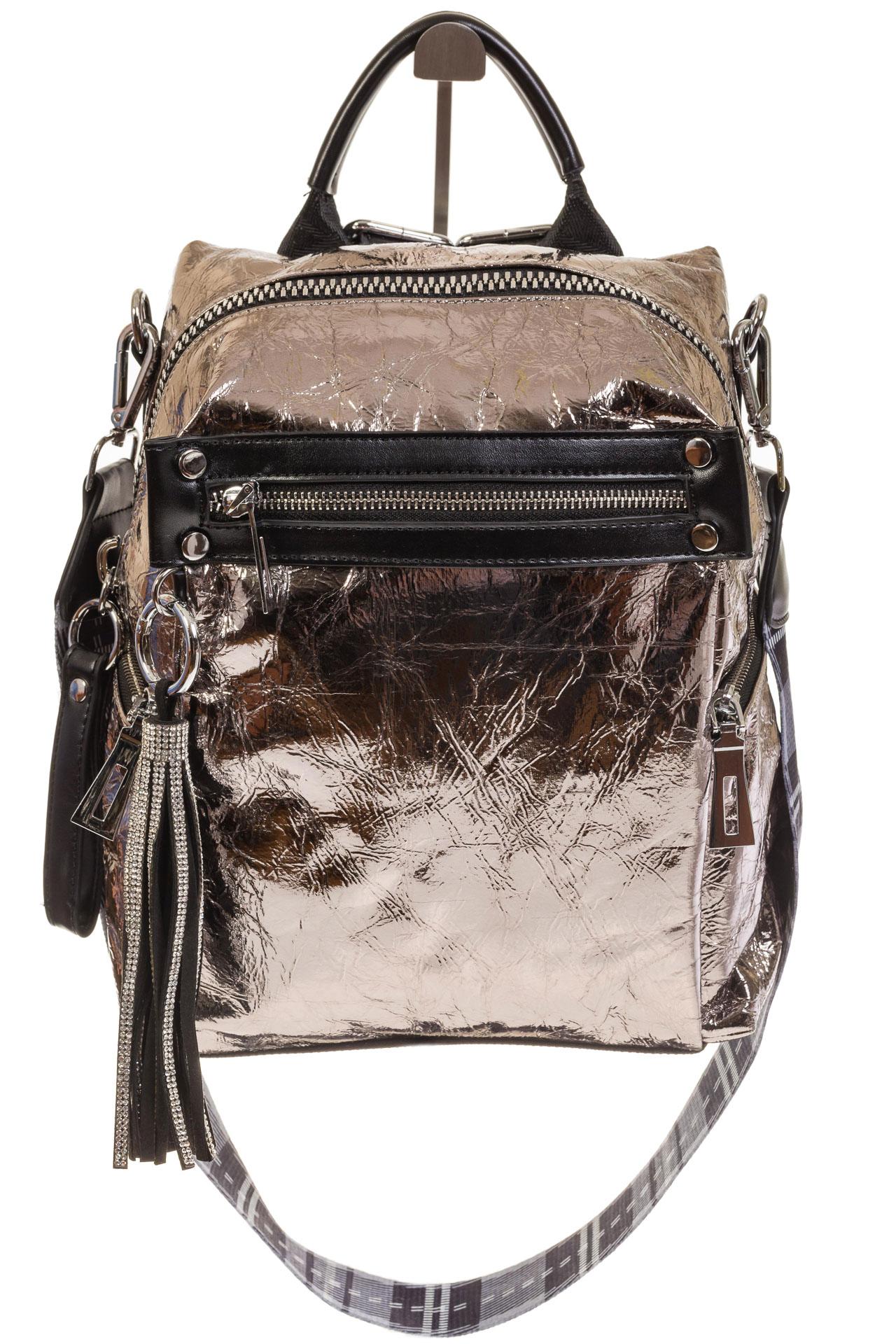 На фото 2 - Сумка-рюкзак бронзового цвета из искусственной кожи