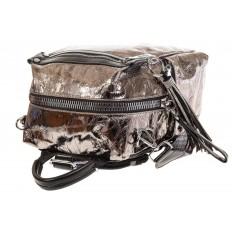 На фото 4 - Сумка-рюкзак бронзового цвета из искусственной кожи