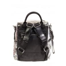 На фото 3 - Сумка-рюкзак серебристого цвета из искусственной кожи