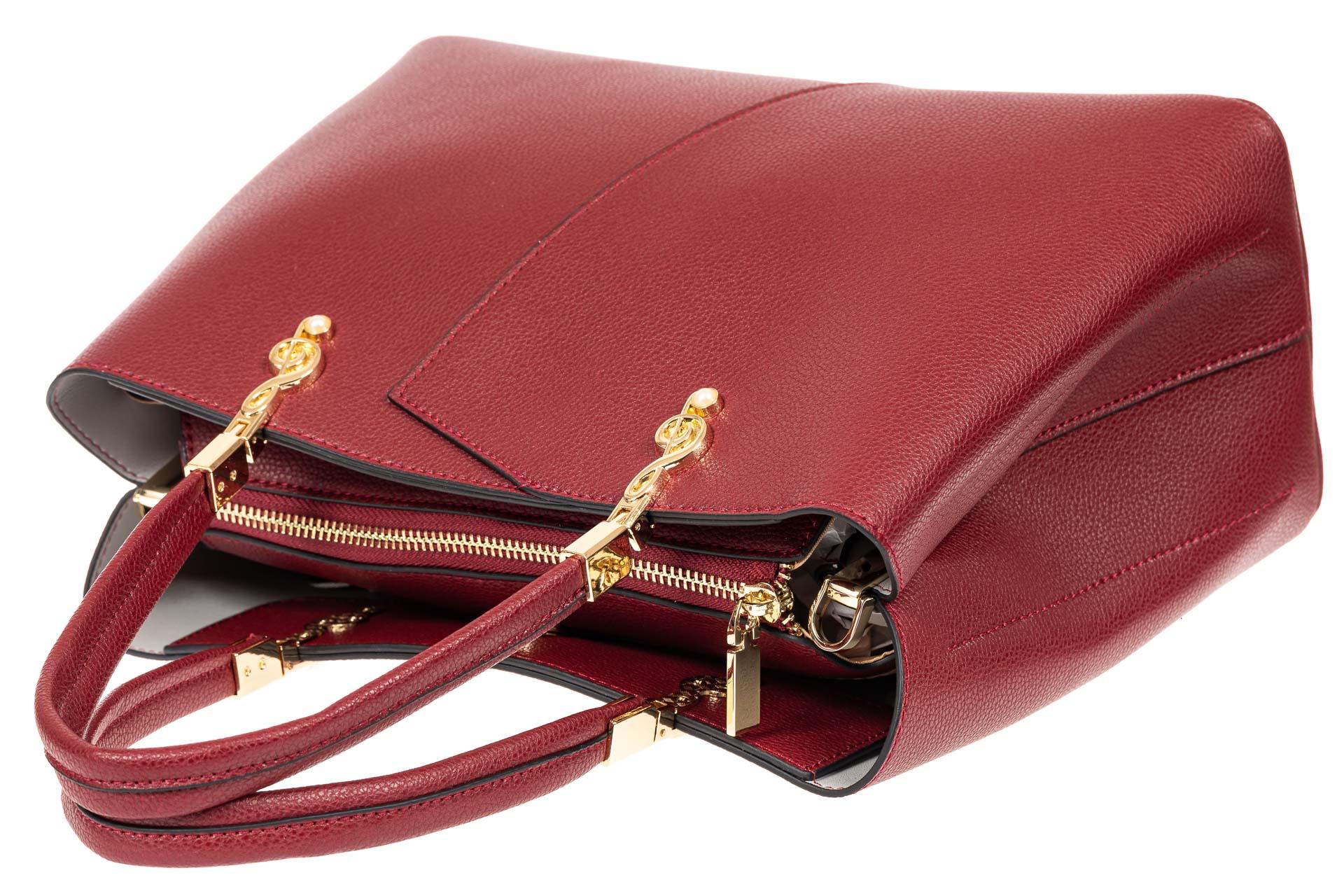На фото 4 - Кожаная женская сумка тоут со скрипичным ключом, цвет красный