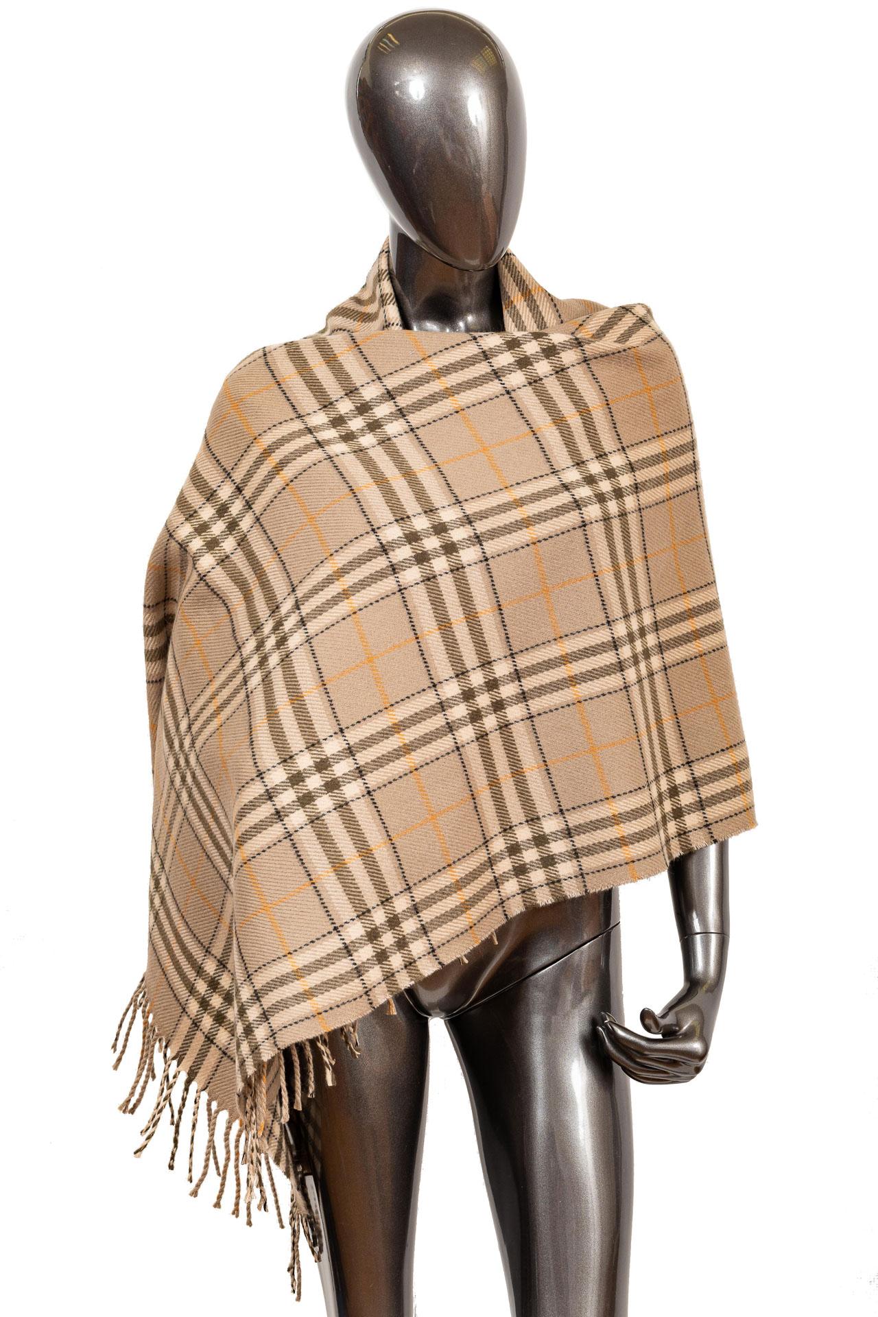 На фото 1 - Недорогой шарф-палантин из кашемира, цвет бежевый