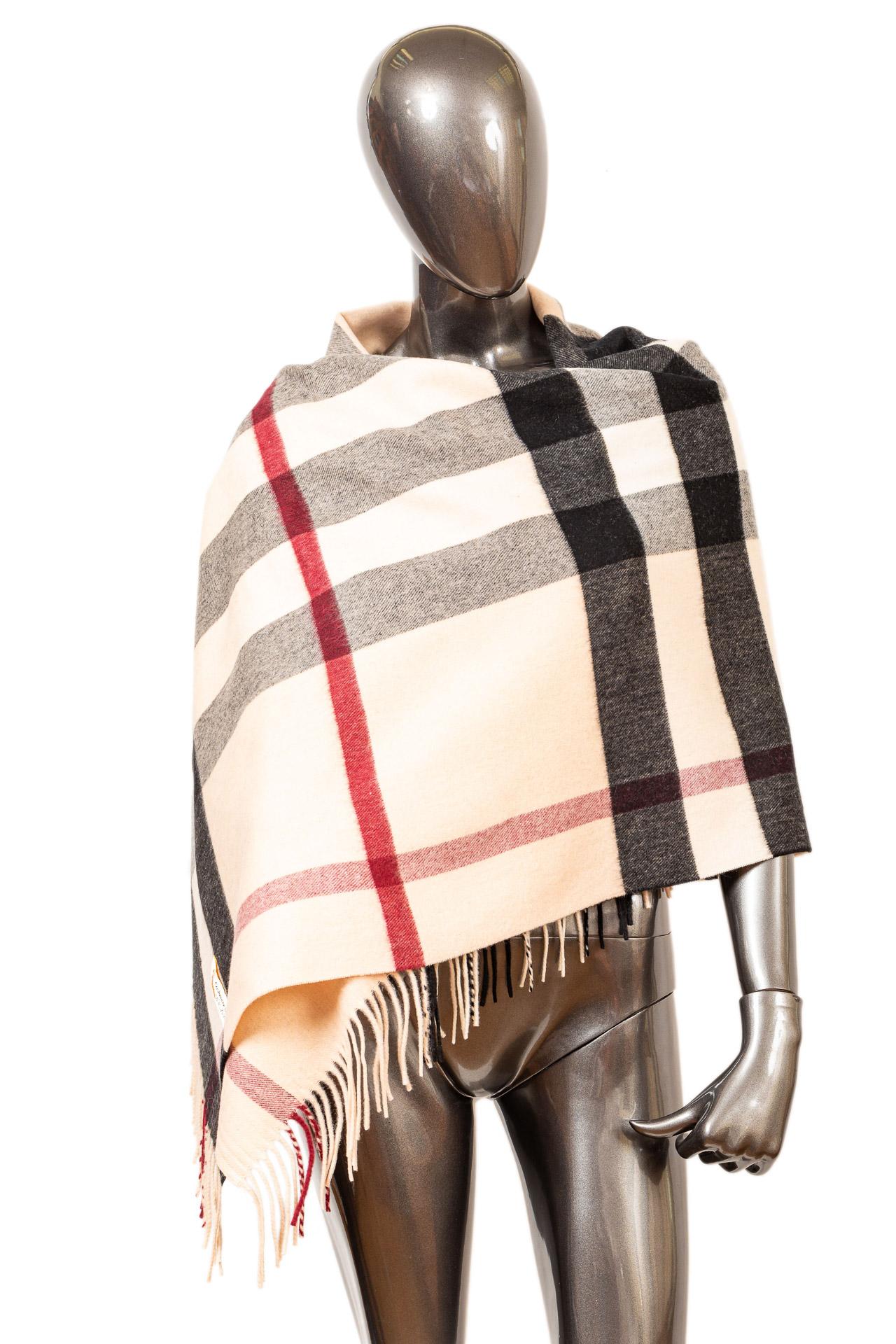 На фото 1 - Модный женский палантин из кашемира, цветсветло-бежевый