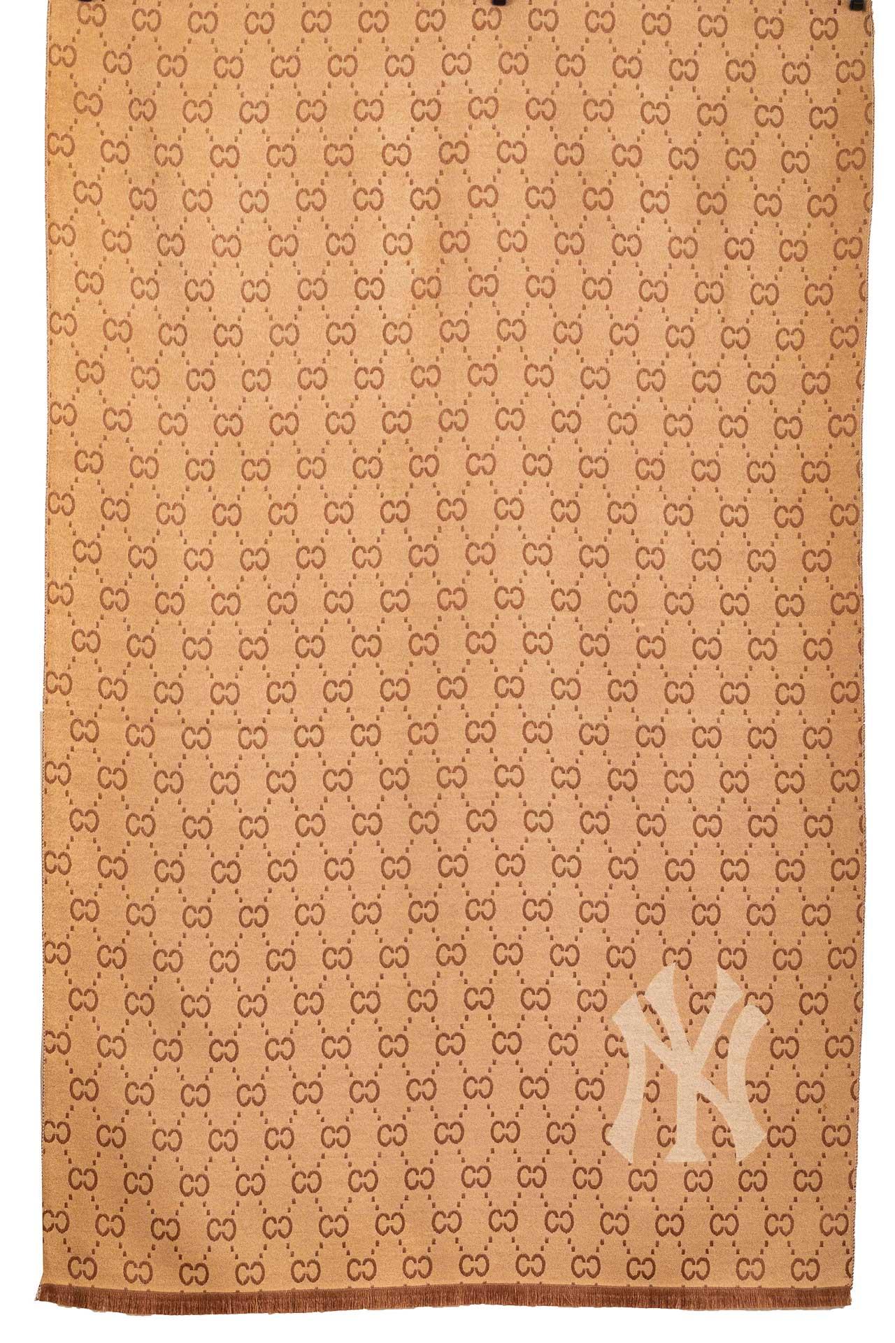 На фото 1 - Теплая шаль-палантин из кашемира, цвет коричневый, производитель Китай