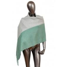 На фото 1 - Женский палантин из кашемира, цвет бирюза