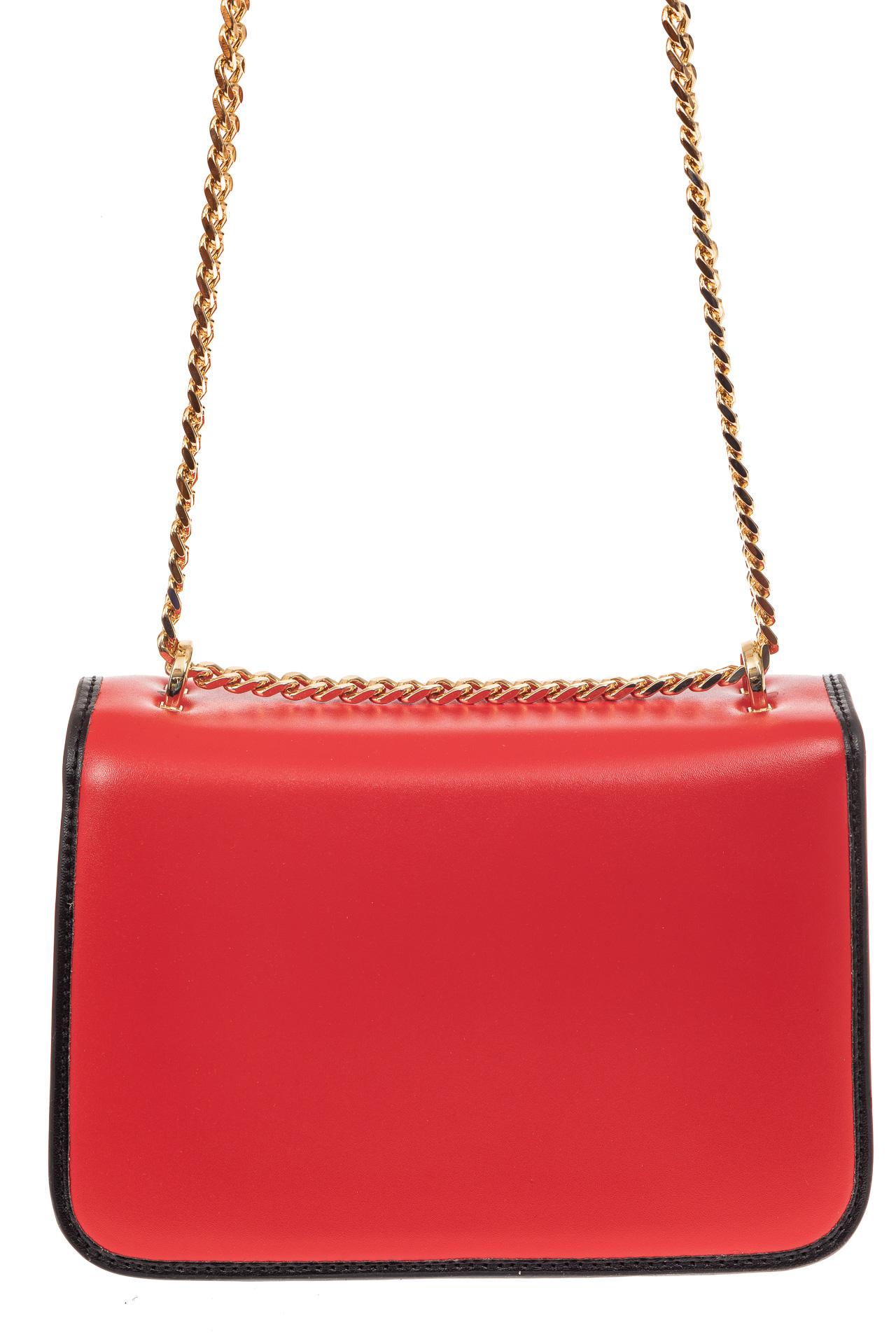 На фото 2 - Каркасная сумка-малышка из натуральной кожи, цвет красный
