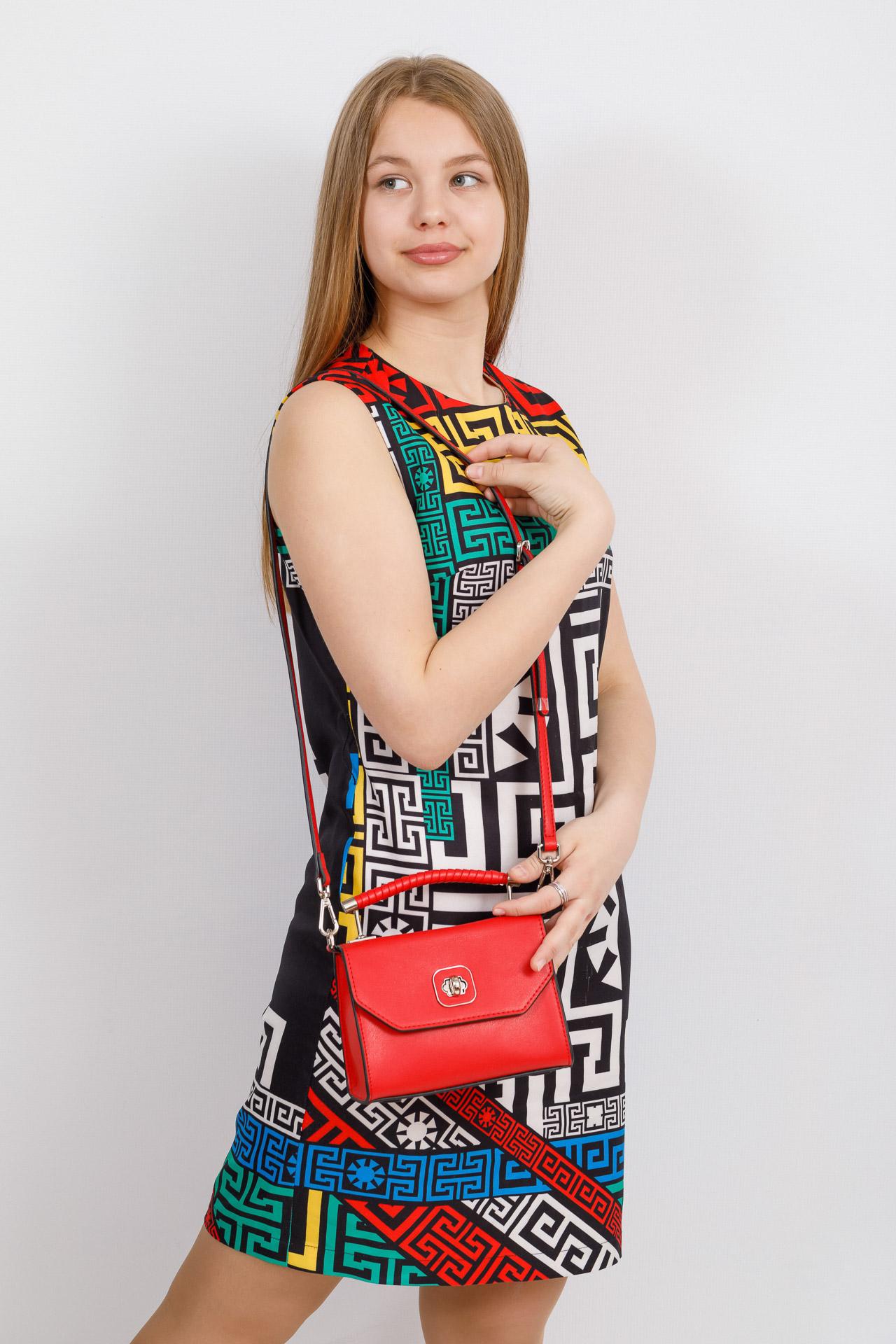 На фото 4 - Каркасная сумка-малышка из натуральной кожи, цвет красный