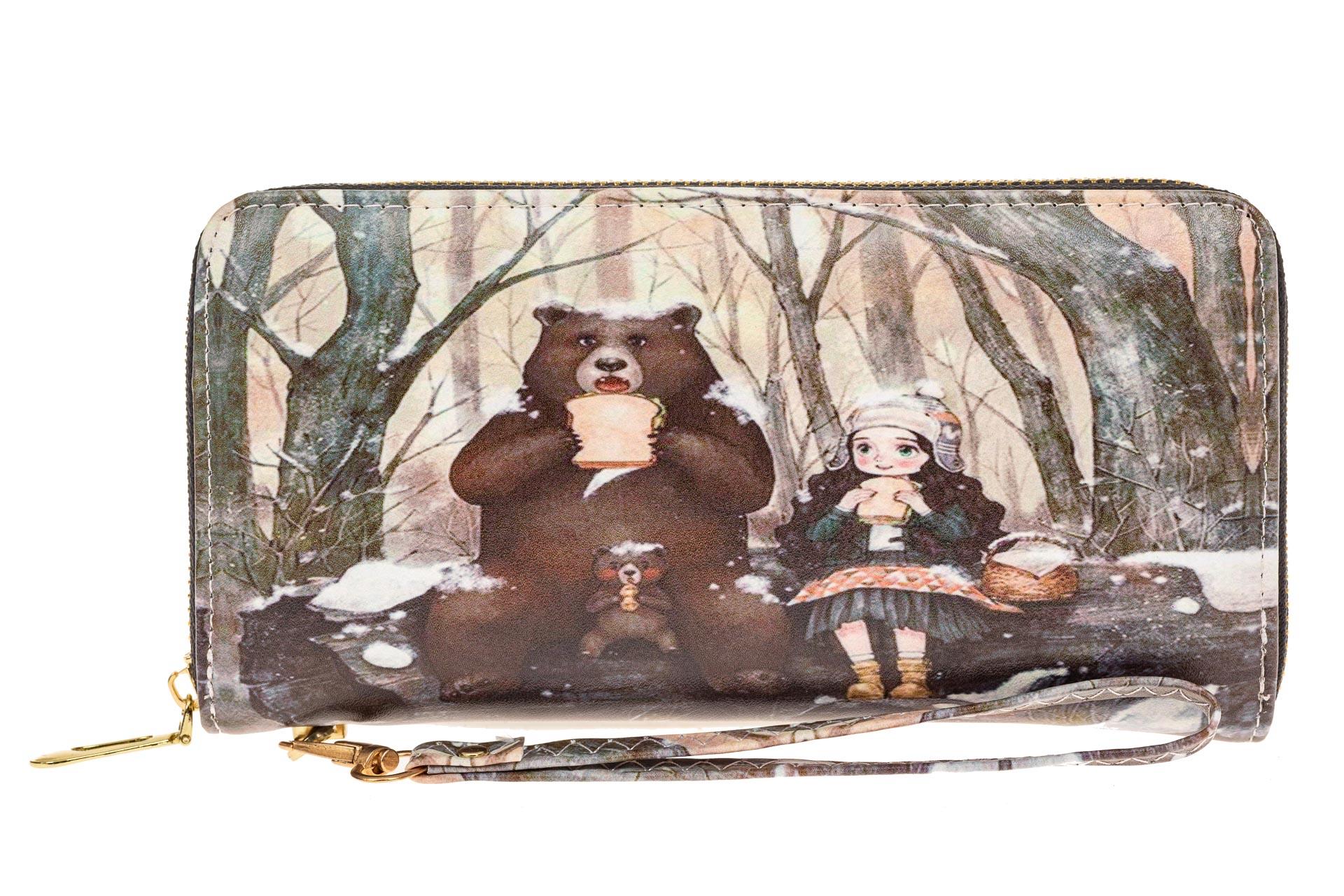 На фото 1 - Женский кошелек-клатч из искусственной кожи, фотопринт медведь с девочкой