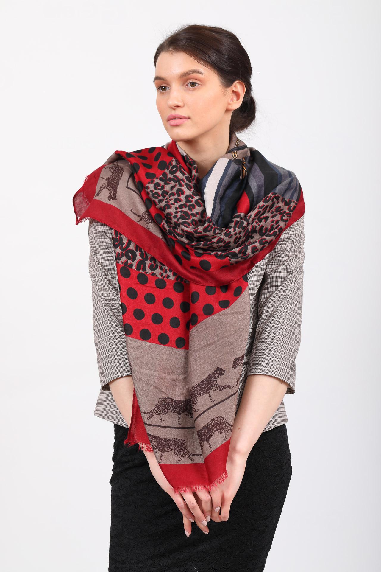 На фото 1 - Легкий недорогой палантин-платок (фото) из хлопка и вискозы с принтом леопард, цвет бордовый
