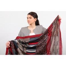 На фото 2 - Легкий недорогой палантин-платок (фото) из хлопка и вискозы с принтом леопард, цвет бордовый