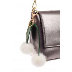 На фото 2 - Мягкий брелок-игрушка из натурального меха белого цвета