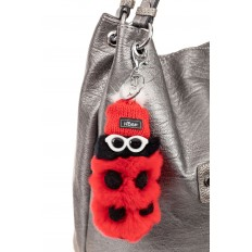 На фото 2 - Современный брелок из натурального меха красного цвета