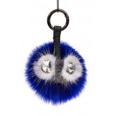На фото 1 - Брелок с изображением мордочки из натурального меха синего цвета