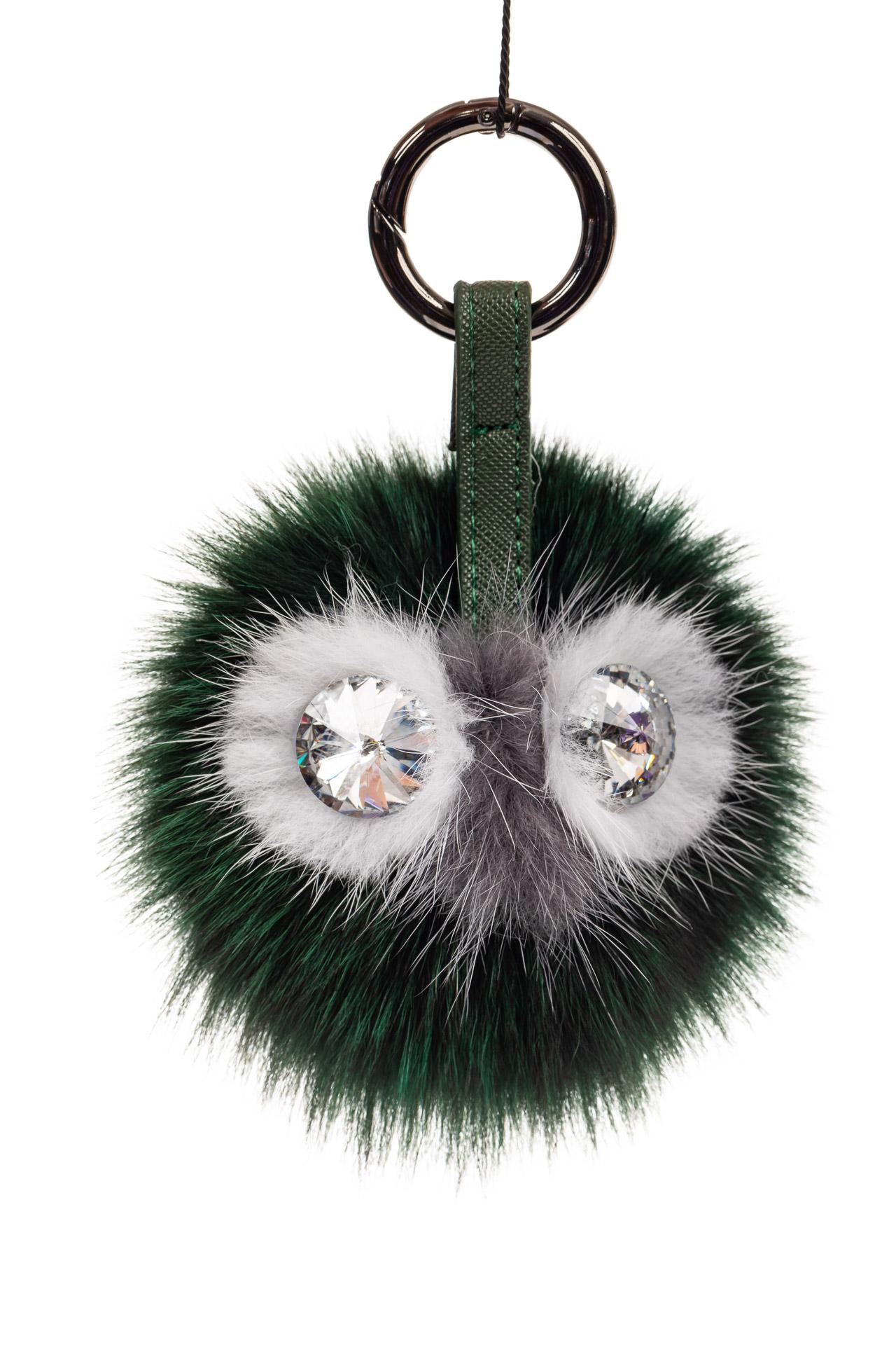 На фото 1 - Брелок из натурального меха зеленого цвета