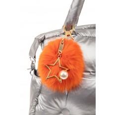 На фото 2 - Брелок из натурального меха оранжевого цвета