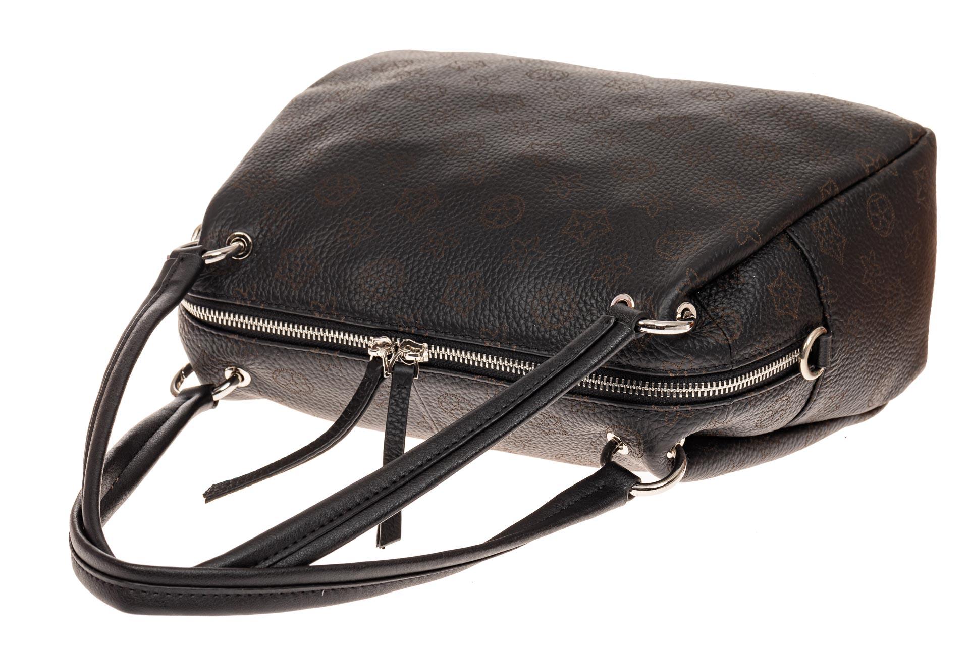 На фото 3 - Вместительная женская сумка из натуральной кожи, цвет черный