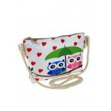 На фото 1 - Детская сумочка кросс-боди из текстиля с принтом, цвет белый