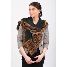 На фото 1 - Легкий палантин платок из хлопка и вискозы, цвет черный