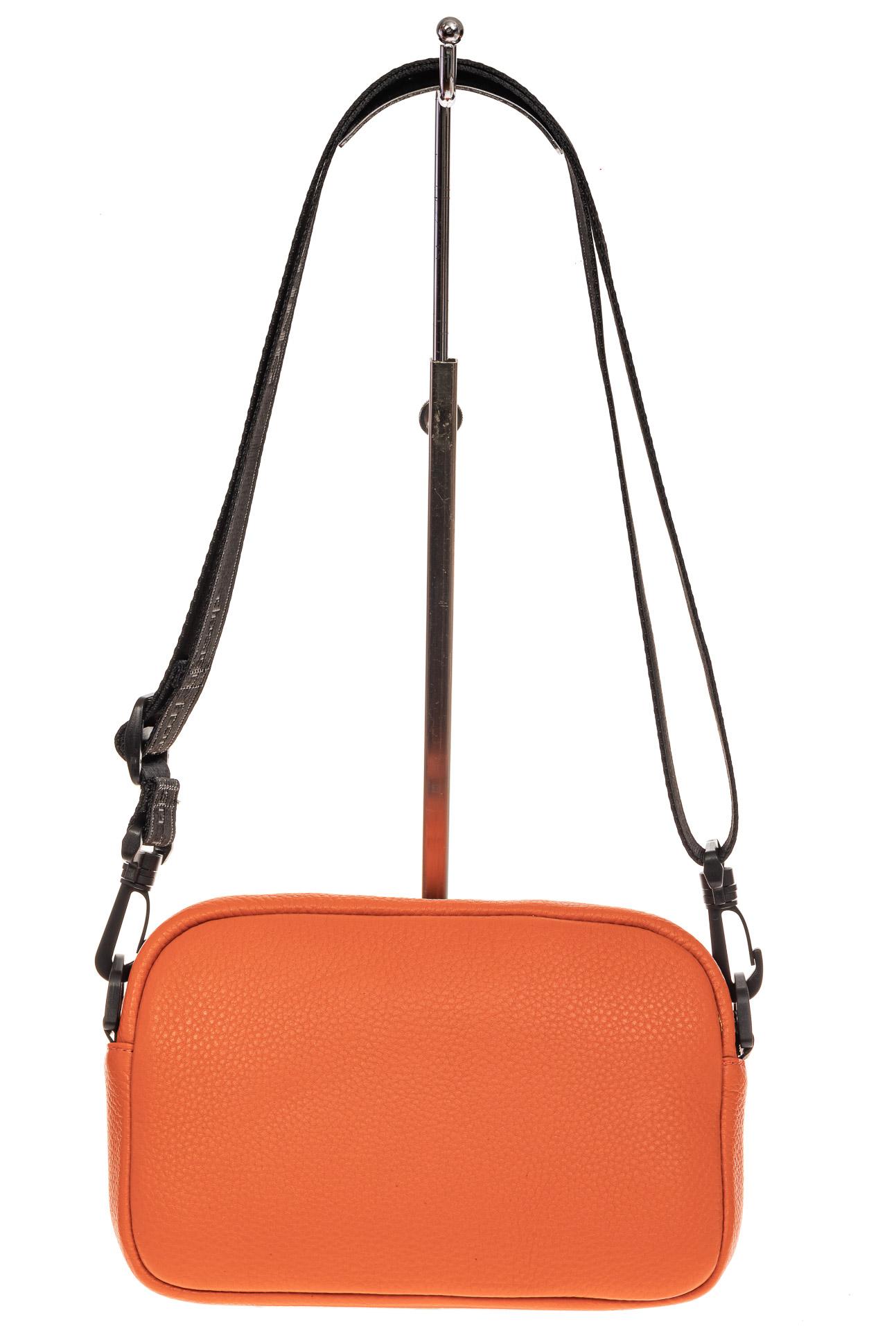На фото 2 - Мягкая кросс-боди из натуральной кожи, цвет оранжевый