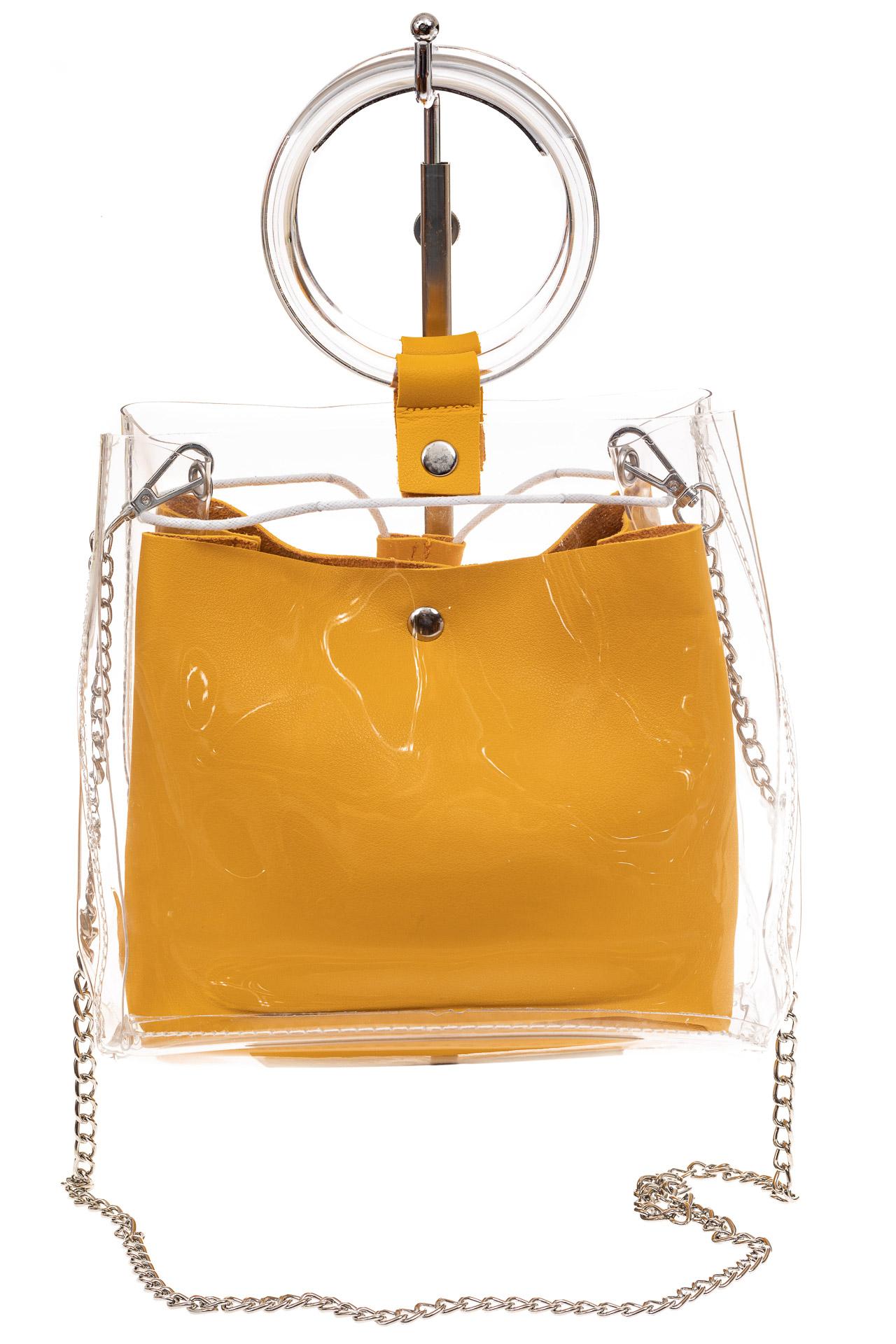 На фото 2 - Сумочка ring-bag из винила и эко-кожи, цвет манго