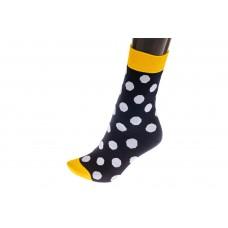 На фото 1 - Женские носки с принтом белый горох, основной цвет черный