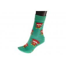 На фото 1 - Цветные женские носки с принтом мультгероя, основной цвет зеленый