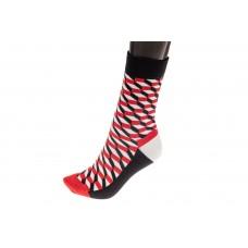 На фото 1 - Женские носки с геометричным принтом, основной цвет черный