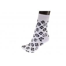 На фото 1 - Женские носки с иконками, основной цвет белый