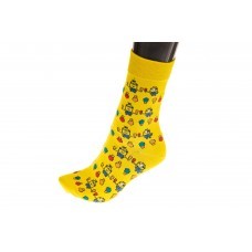 На фото 1 - Женские носки с принтом, цвет желтый с миньонами