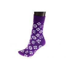 На фото 1 - Женские носки с иконками, основной цвет фиолетовый