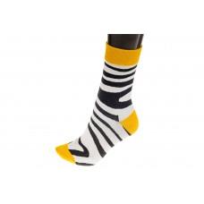 На фото 1 - Модные женские носки с принтом зебра, основной цвет белый