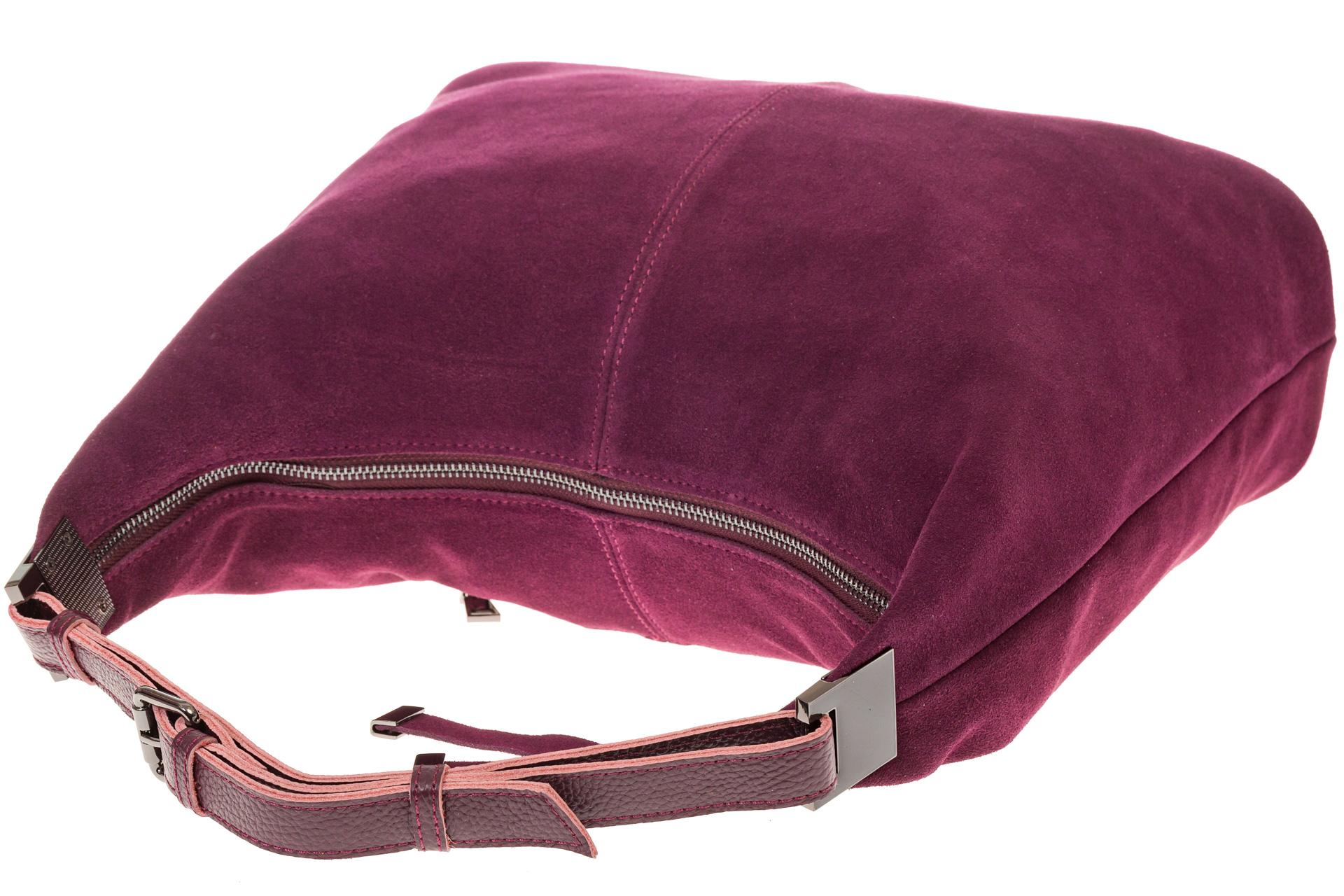 На фото 4 - Женская сумка Хобо из замши бордового цвета
