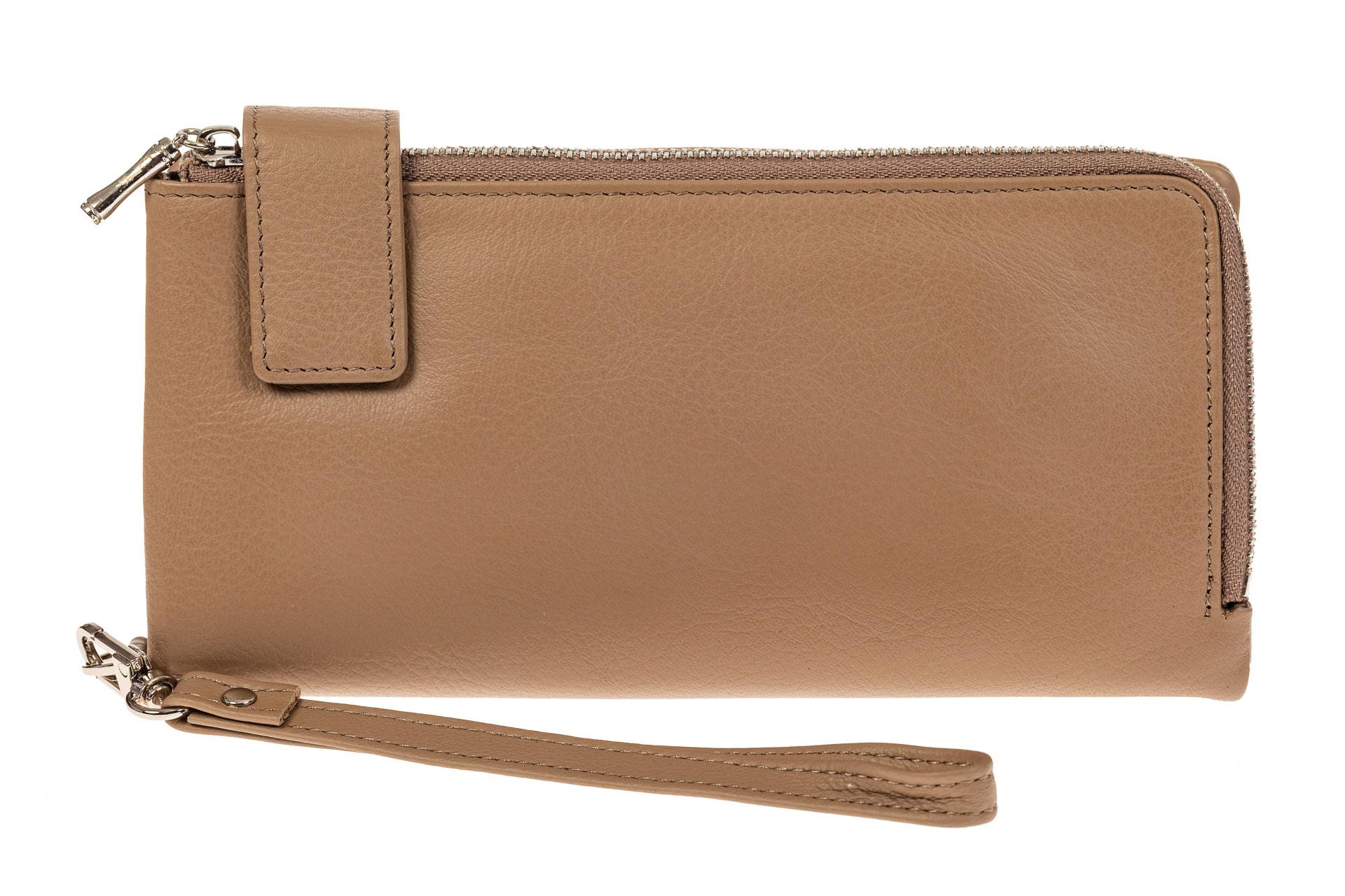 На фото 1 - Женский полноразмерный кошелек из натуральной кожи, цвет бежевый