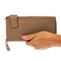На фото 3 - Женский полноразмерный кошелек из натуральной кожи, цвет бежевый